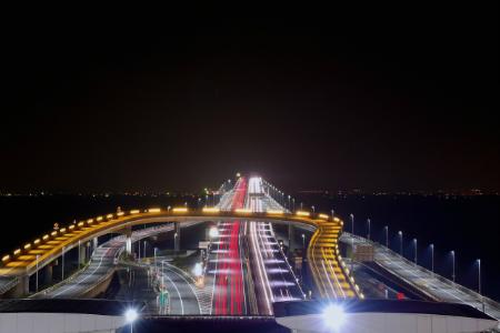高速道路上の注意喚起は「有効期限の確認」のみ